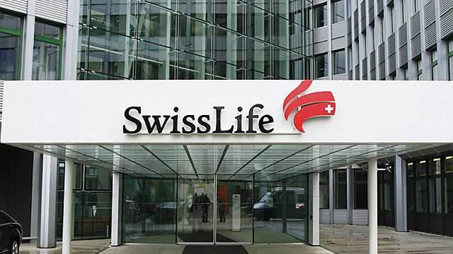 Eingang zu Swiss Life-Gebäude in Zürich (Archiv)