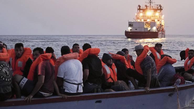 Migranten auf dem Mittelmeer: Die EU hat eine Idee entwickelt, wie sie auf die einzelnen Länder verteilt werden sollen.