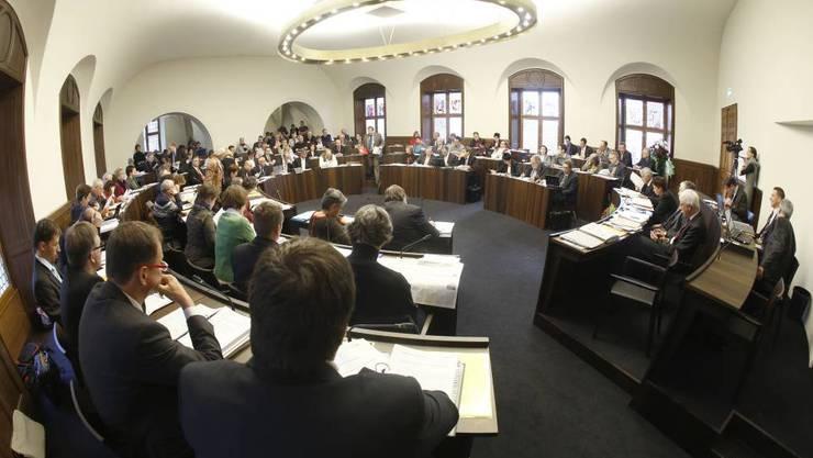 Die Plätze der SVP-Fraktion im Kantonsrat blieben kurzzeitig leer. (Archivbild)