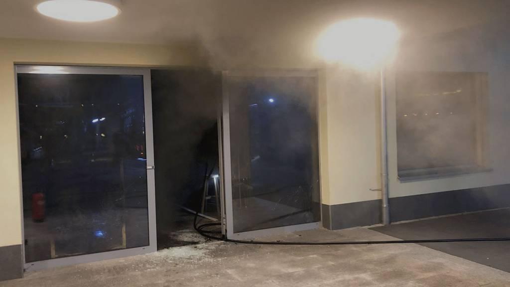Feuer in Ladenlokal führt zu Evakuierung