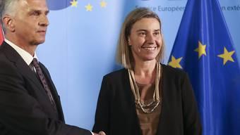 Bundesrat Didier Burkhalter hat EU-Aussenbeauftragte Federica Mogherini in Brüssel getroffen, um mit ihre über die Schweiz und aussenpolitische Themen zu reden.