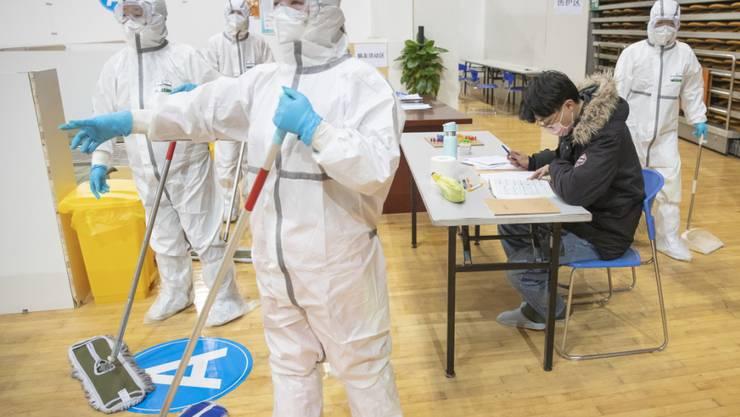 Die Zahl der Todesfälle in der besonders stark betroffenen chinesischen Provinz Hubei ist nach Behördengaben vom Samstag um weiter 139 gestiegen. (Symbolbild)