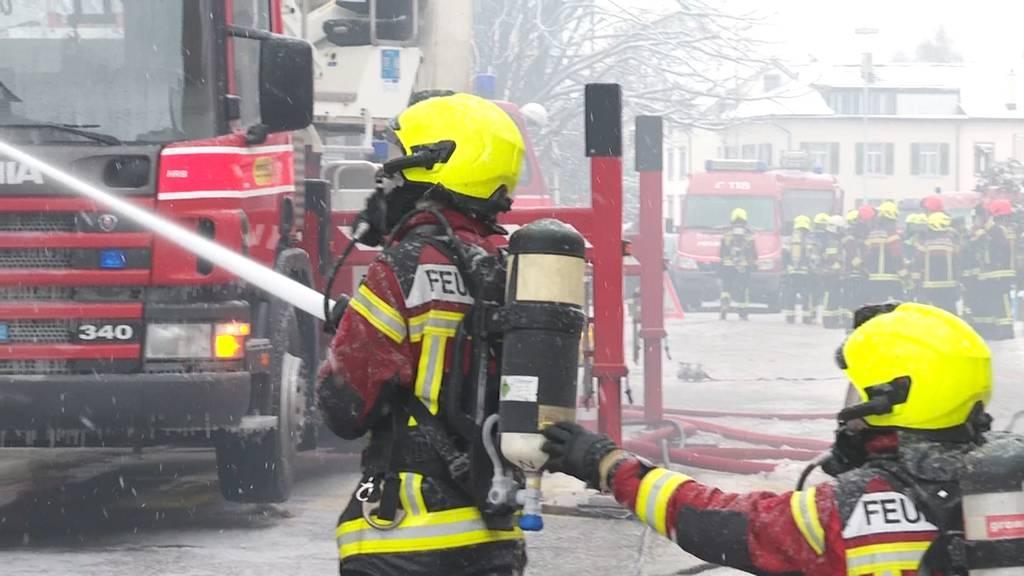 Mehrfamilienhaus in Flammen – hunderttausende Franken Schaden