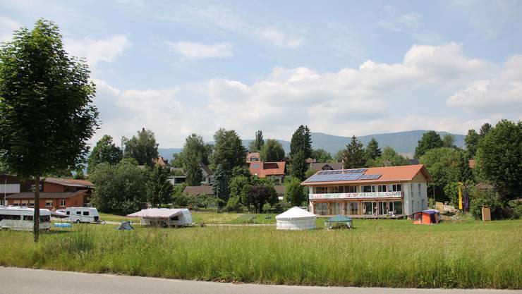 Auf diesem Gelände planen die Genossenschaft Kirschblüte und die Wohnbaugenossenschaft am Bach ein Gewerbe- und Wohnprojekt.