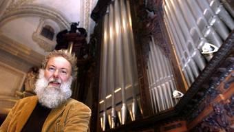Wolfgang Sieber mit seiner Orgel (Archiv)