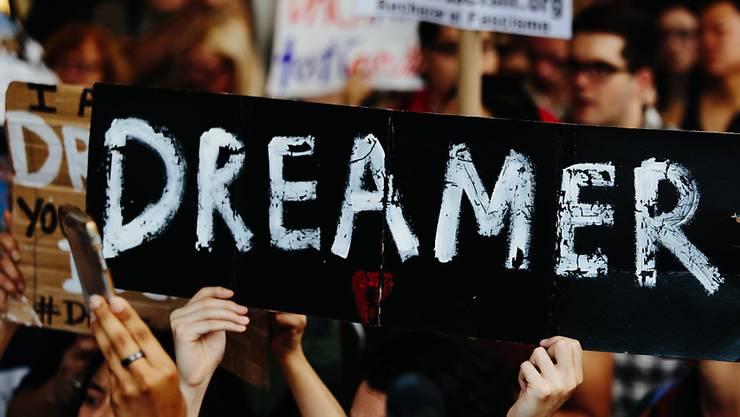 """US-Präsident Donald Trump darf das Programm zum Schutz junger Einwanderer (""""Dreamer"""") vorerst nicht einstellen. (Symbolbild)"""