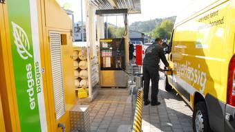 Wer ein neues Erdgas-Fahrzeug kauft, erhält mancherorts einen Förderbeitrag von seinem Energieversorger auf sein Konto. (Symbolbild)