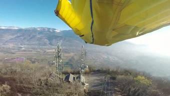 Springen Sie mit: Galvani filmte seinen waghalsigen Flug mit mehreren Kameras. Nervenkitzel garantiert.