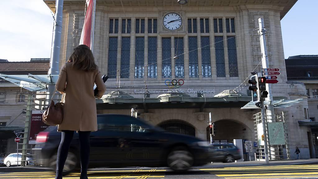 Der Bahnhof Lausanne wurde am Samstagnachmittag geräumt, nachdem zwei herrenlose Koffer entdeckt worden waren.