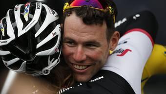 Der Brite Mark Cavendish, zuletzt schon zum Tour-Auftakt am Samstag siegreich, durfte sich auch über den Sieg in der 3. Etappe von Granville nach Angers freuen