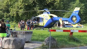 Der Mann wurde vom Helikopter ins Spital geflogen. Sein Zustand ist nach Reanimierung kritisch.