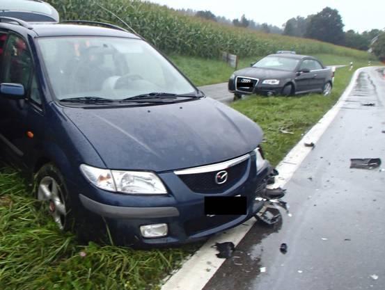 Der Fahrer des zweiten entgegenkommenden Wagens wurde leicht verletzt.