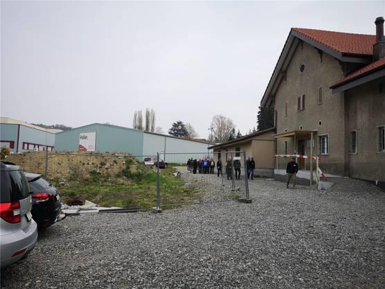 Die flache Halle (hinten Mitte) soll abgebrochen und durch einen Neubau ersetzt werden.