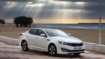 Erstmals bietet Kia mit dem Optima auch in Europa einen Vollhybriden an.
