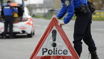 In einem Bach in der Waadtländer Gemeinde Vich sind die Leichen einer Frau und eines Mannes entdeckt worden. Die Polizei vermutet, dass die beiden bei einem Unfall ums Leben gekommen sind. (Symbolbild)