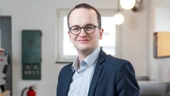 Martin Neukom bringt ein solarbetriebenes Handyladegerät mit: «Wir müssen den Rahmen so setzen, dass sich die guten Technologien entwickeln.»
