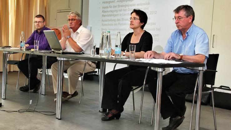 Markus Zemp, Präsident der CVP Aargau, (2. v. l.) an der Medienorientierung.