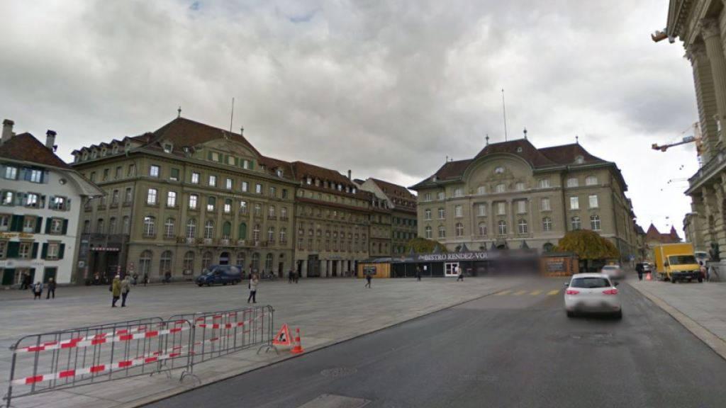 Der Berner Bundesplatz sowie mehrere Zubringerstrassen wurden am Dienstagabend geräumt.