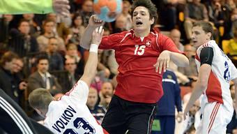 Der Russe Wolkow wehrt sich mit allen Mitteln gegen Nicolas Raemy.