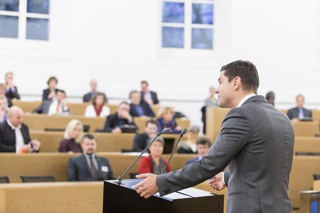 Für seine Schlussansprache als Präsident des Grossen Rats erhielt Benjamin Giezendanner Applaus von links bis rechts.