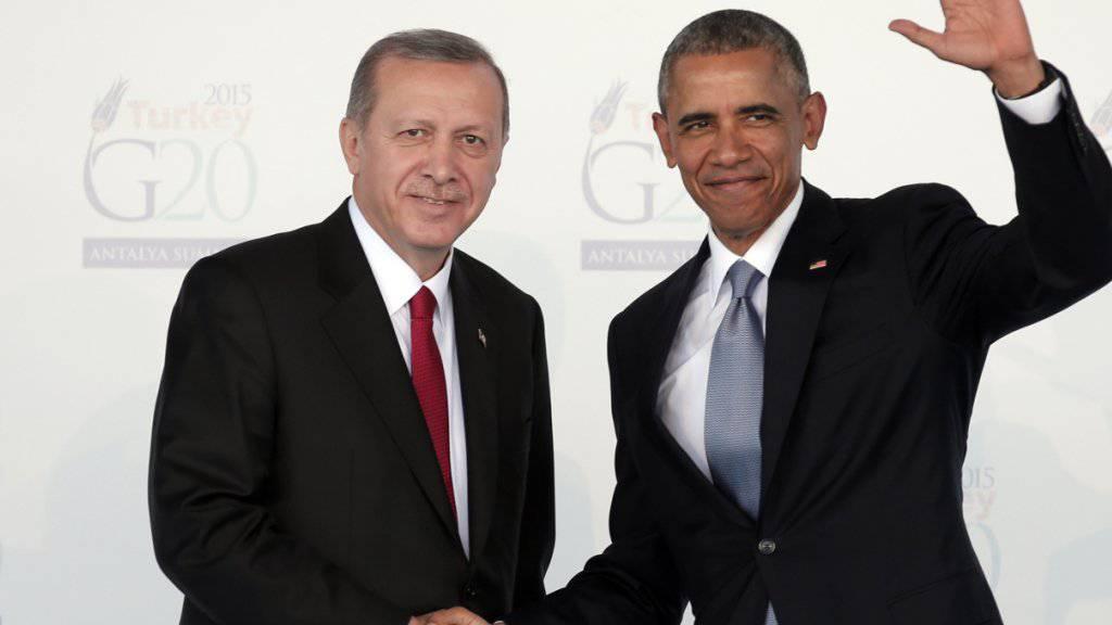 US-Präsident Obama (rechts) hat den türkischen Staatschef Erdogan am Rande des Atomgipfels überraschend empfangen.