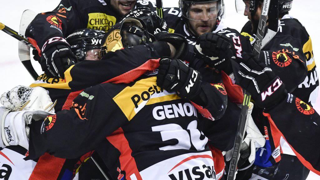 Die Berner Spieler freuen sich über den Finaleinzug