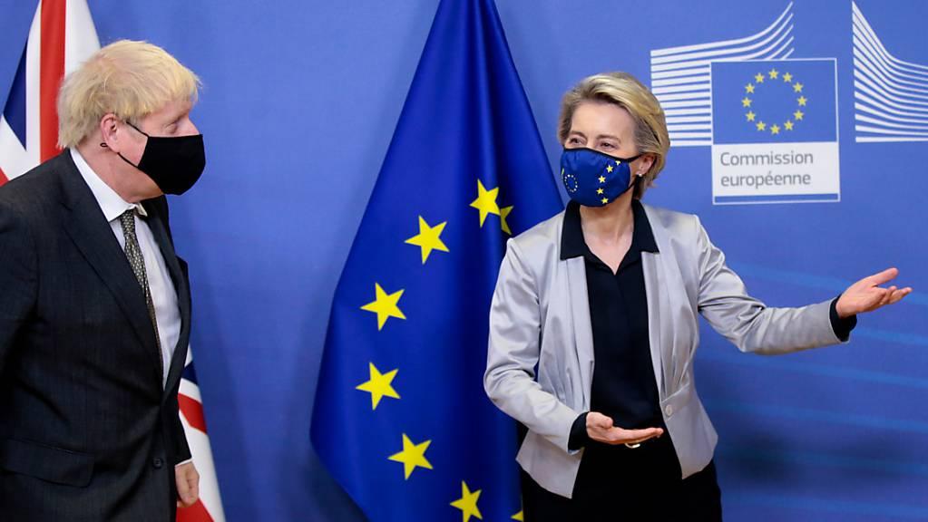 Ursula von der Leyen, Präsidentin der EU-Kommission, empfängt Boris Johnson, Premierminister von Grossbritannien, zu dem gemeinsamen Treffen.