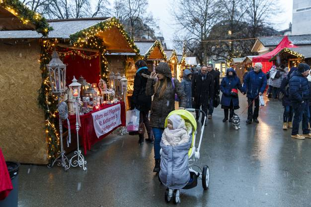 Die schönsten Bilder vom Weihnachtmarkt in Solothurn.