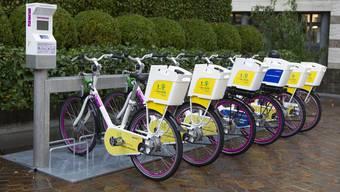 In Basel werden 2000 klassische Velos und E-Bikes zum mieten stationiert. (Symbolbild)