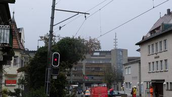 Baum fällt auf BDB-Fahrleitung in Dietikon am 03.01.2018