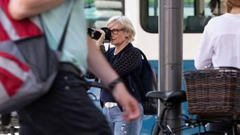Eine Privatdetektivin observiert in Zürich.