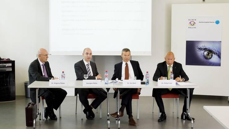 Am 12. Mai gingen sie an die Öffentlichkeit: Die Chefs der Pallas-Klinik (links) und des Kantonsspitals Aarau gaben ihr Zusammengehen an einer kurzfristig anberaumten Pressekonferenz bekannt.Emanuel Freudiger.