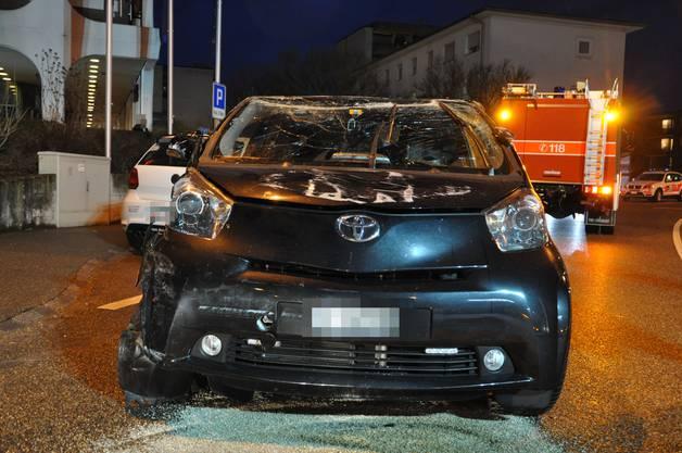 Der Automobilist wurde mittelschwer verletzt