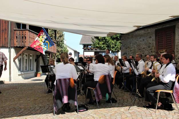Die Harmonie Birmensdorf besorgte die musikalische Begleitung und spielte auch den Schweizerpsalm.