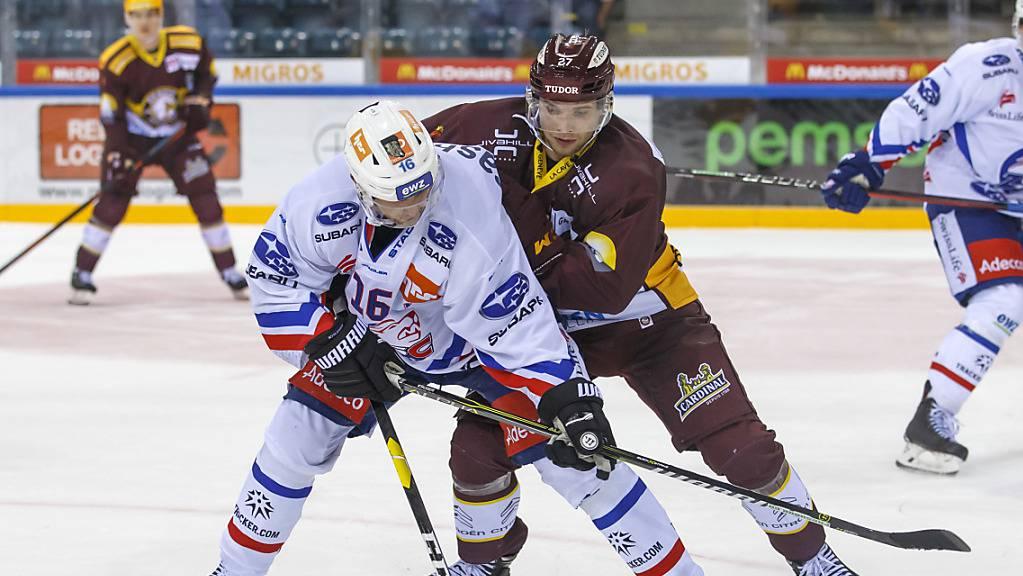 Marcus Krüger (vorne) fehlte den ZSC Lions rund zwei Wochen