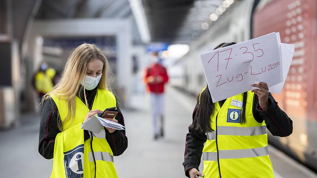 Am Hauptbahnhof Zürich standen SBB-Kundenbetreuer im Einsatz. (Archivbild)