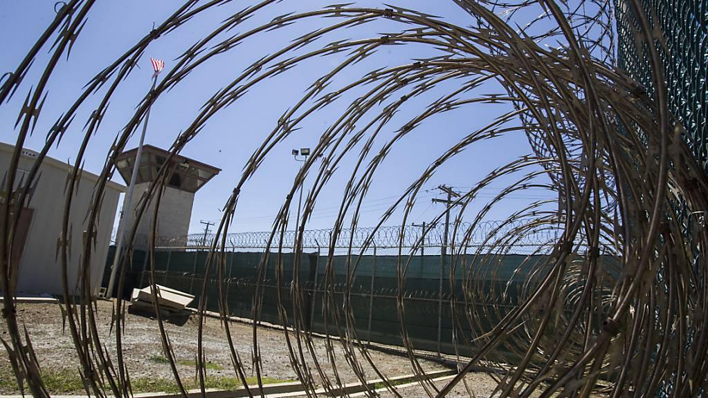 Rund sechs Monate nach Amtsantritt hat US-Präsident Bidens Regierung erstmals einen Häftling aus dem Gefangenenlager Guantanamo an dessen Heimatland überstellt. Foto: Alex Brandon/AP/dpa Foto: Alex Brandon/AP/dpa