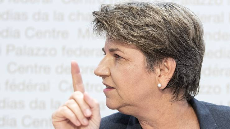 Bundesrätin Viola Amherd hebt den Warnfinger:« Die Profiklubs müssen jetzt auch ihren Effort leisten.»