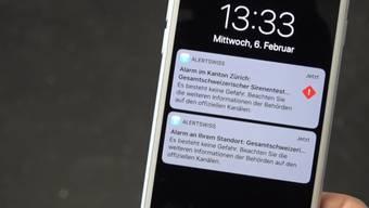 Zum ersten Mal bekamen auch Gehörlose den Sirenenalarm mit: Per Push-Nachricht über die Alertswiss-App wurden sie um 13.33 Uhr informiert.