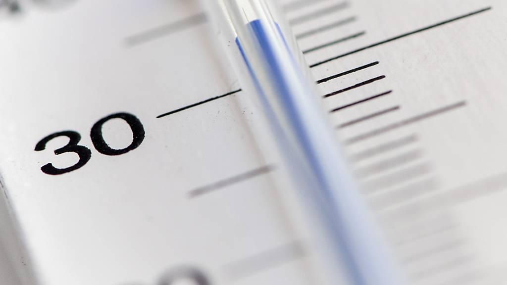 Hitzewellen fordern viele Tote. Gemäss einer neuen Studie war der menschengemachte Klimawandel in den letzten drei Jahrzehnten für rund ein Drittel der Hitzetote verantwortlich. (Themenbild)