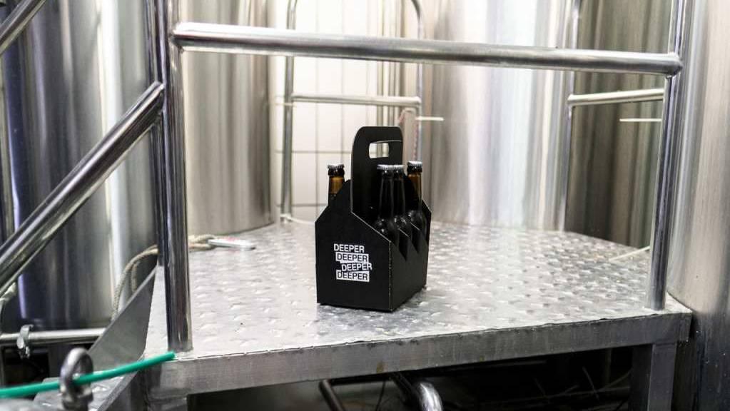 Die Rezeptur für das Pale Ale mit Zitrus-Note mit dem Namen «Deeper» lieferte eine künstliche Intelligenz.