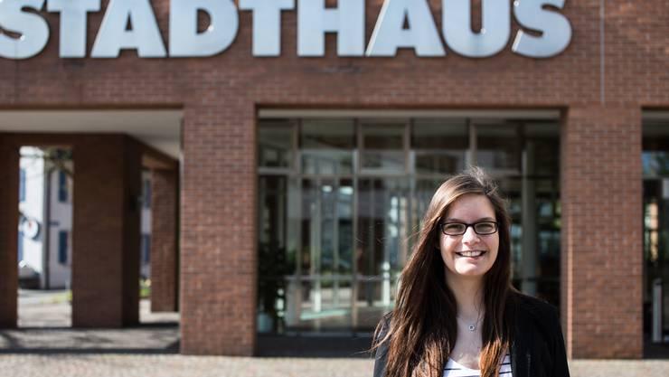 Nadine Burtscher setzt sich seit April 2014 im Gemeinderat Dietikon für die Anliegen der Jugend ein. Jiri Reiner