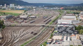 Der Rangierbahnhof Limmattal liegt auf dem Gebiet von Dietikon und Spreitenbach. Hier könnte in Zukunft ein Fussballtempel für FCZ- und GC-Fans stehen.Sandra Ardizzone
