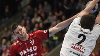 Nikola Isailovic (l.) sieht seinen HSC Suhr Aarau in der Playoff-Viertelfinalserie gegen Wacker Thun als Favorit.