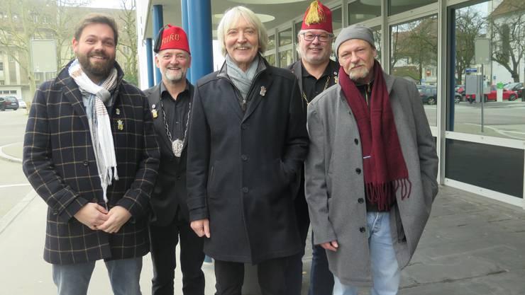 Von links: Zweitplatzierter Reto Wollschlegel, Plakettenchef Christian Wüthrich, Sieger Christof Schelbert, Fukorats-Präsident Beat Loosli und Drittplatzierter Marcus Aebersold.