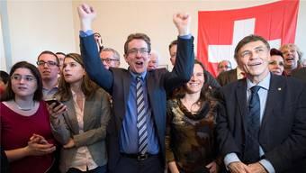 Gross war die Freude vor drei Jahren bei der SVP – im Bild die Nationalräte Nadja Pieren, Albert Rösti, Andrea Geissbühler und Luzi Stamm (v.l.) – als sie die Masseneinwanderungsinitiative beim Volk durchbrachten. Marcel Bieri/Keystone