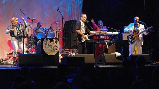 1992 starteten die Dief-Flieger zufällig mit Musikmachen – aus der Hobby- ist eine Kultband geworden.