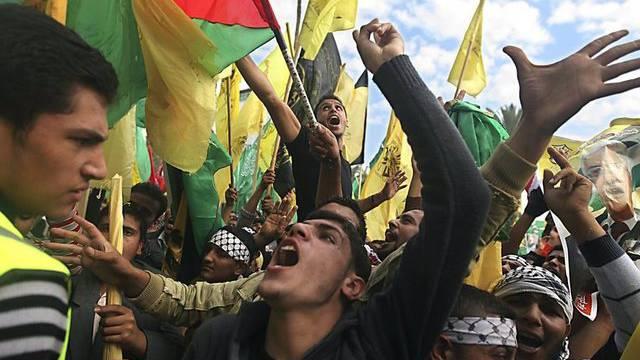 Palästinenser in Gaza feiern die Waffenruhe