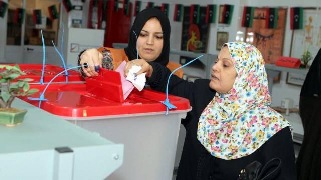 Nur wenige machten in Libyen vom Wahlrecht Gebrauch (Archiv)