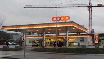 An den Coop-Pronto-Tankstellen gibt es ab und zu Gutscheine für günstigeres Tanken.Tommy Richner